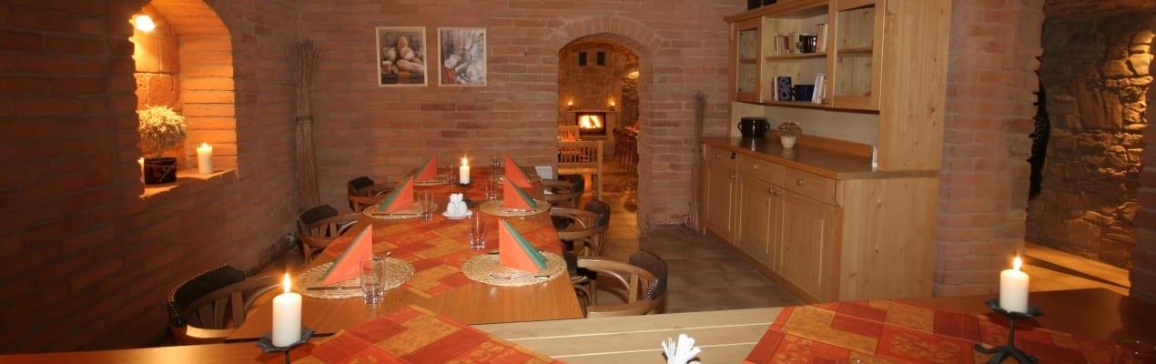 Restaurace pod Věží - cihlový sklep